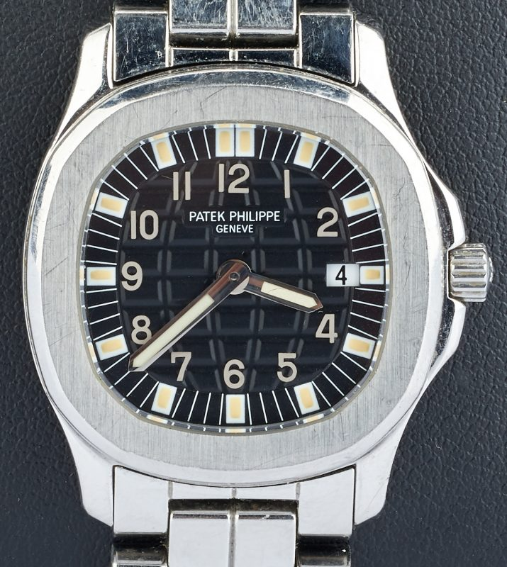 Lot 23: Ladies Patek Philippe Aquanaut Wristwatch