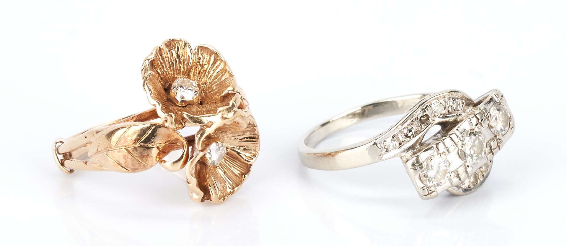 Lot 770: 4 Ladies Gold and Diamond Rings