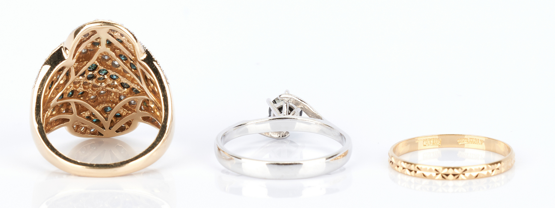 Lot 772: 6 Assorted Gold Rings with Diamonds