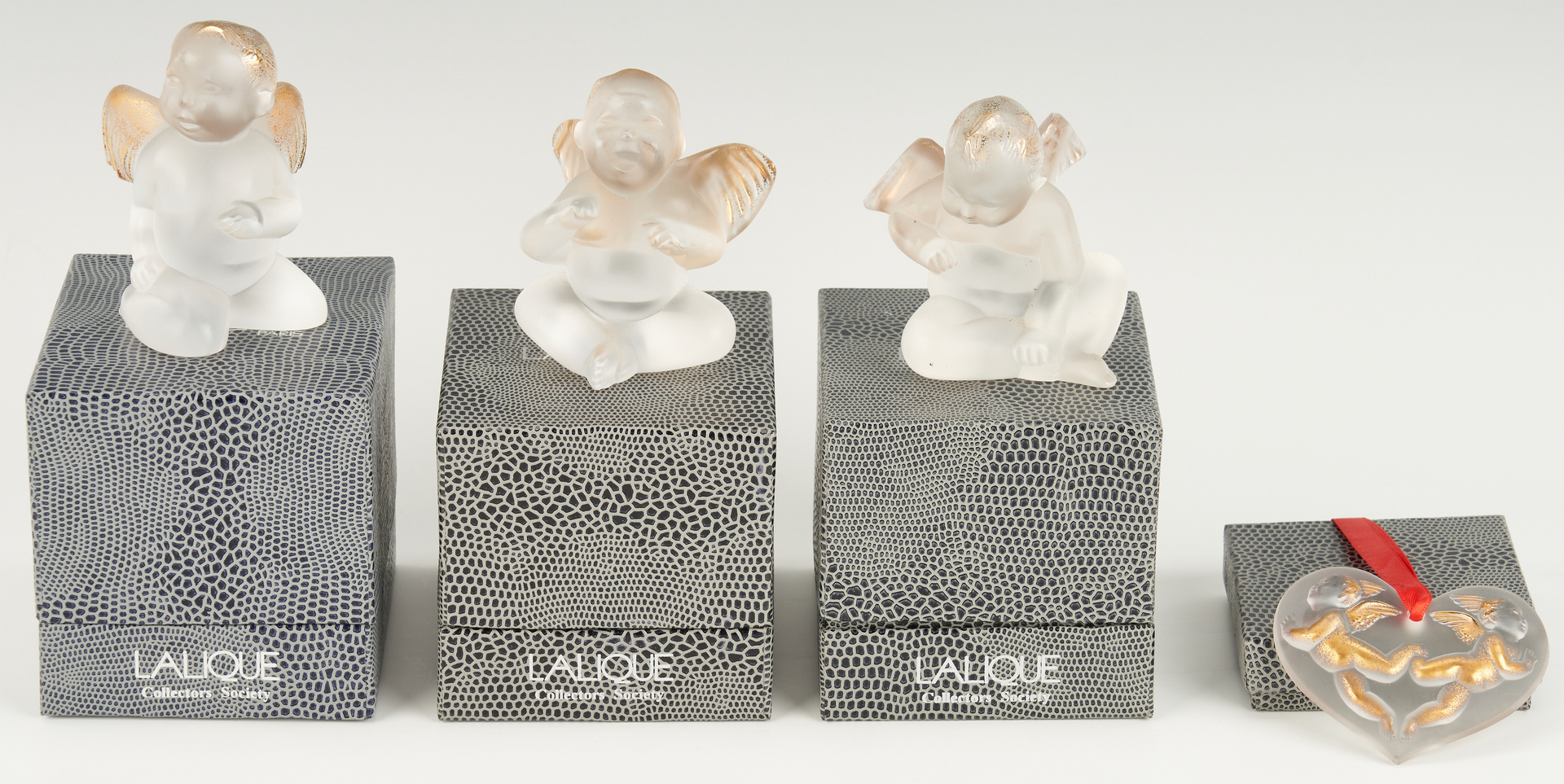 Lot 801: 14 Crystal Ornaments & Figurines, mostly Lalique